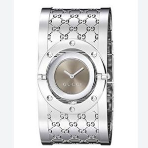 Gucci 112 Twirl Watch & Bangle